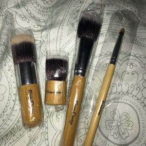 brand new makeup brushes